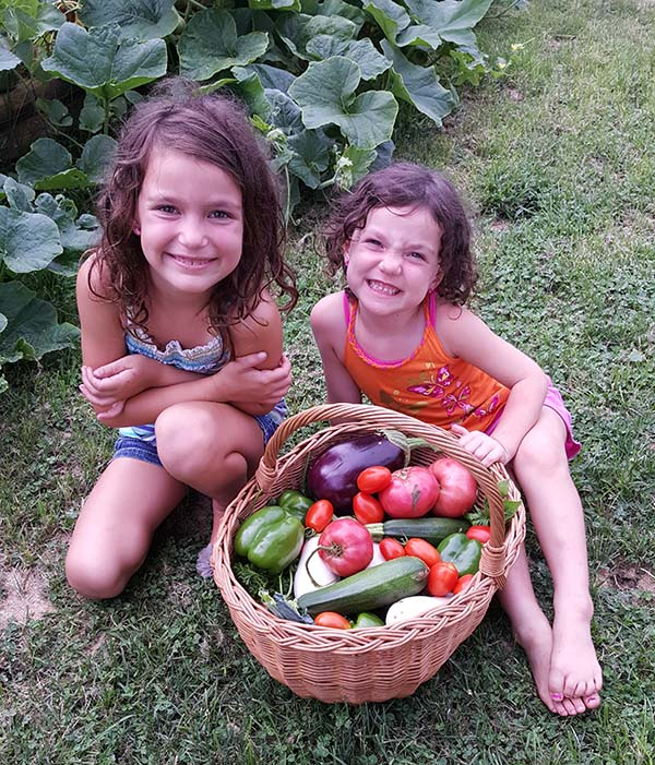 gavin-o-brien-kids-with-veggies-small.jpg